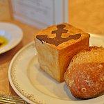 パン♡碇マークが可愛い!チョコレートのようです。