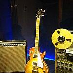 ギターをかじった方なら、「ギブソンのレスポール」を見ると弾いてみたくなりませんか?