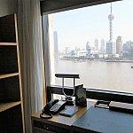 こちらが「上海スイート・外灘ビュー」のお部屋♪これぞ上海!という景色が目の前に広がります!
