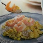 黄袍滑蛋大虾饭(海老入り玉子チャーハン)単品だと48元です。日本語ではチャーハンと書いてありますがチャーハンではありません。白ご飯の上に玉子と海老を炒めた物が乗っかっています。