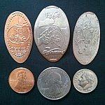 左・ペニー&DLRスーベニアコイン 中・クォーター&EPのコイン 右・ダイム&DCAのコイン