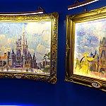 マジックキングダム(左)と東京ディズニーランド(右)のキャッスル絵画