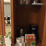 ドリップコーヒー、紅茶、緑茶がそれぞれ2回分ありました。いろはす無料は嬉しいですね。