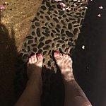 足湯に浸かりながらファンタズミックの曲を楽しめます( ´ ▽ ` )ノハクナマタダ♪