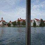 ボートに乗っている時に撮りました。広くてカメラにおさまりきりません!
