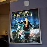 メリーポピンズもちょこっと登場します。