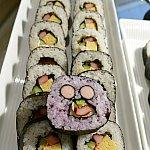 巻き寿司もありますよ〜!ミッキー巻き寿司はゆかり味♪