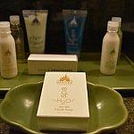 H2Oのアメニティ。シャンプー、コンディショナー、洗顔、ローション、ボディジェル、石鹸。