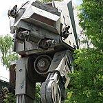 4足歩行ロボット「AT-AT」が迫力満点!