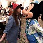 誕生日じゃない私にもミッキーは優しいです!ミッキーとの顔面キス!!きゃー!