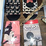 これは女性用の靴下。ではこの顔はいいのかというと、STANCEのデザイナーのデザインによるディズニーキャラクターだと良いそうです。