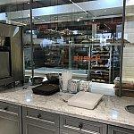パンは店内で焼いています