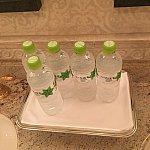 スパ内いろはすのペットボトルのお水が置いてありました(^^)
