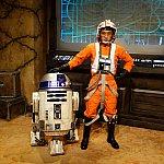 R2-D2は動きます。