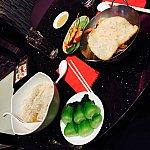 ワンタン麺とナシゴレン