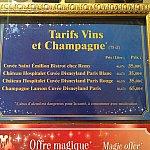ディズニーランドパリのオリジナルワインも販売しています