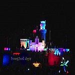 お城のライティング、他の写真と見比べてみると少しずつ変化しています。