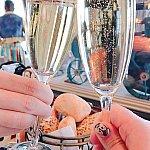 シャンパンで乾杯。飲みやすくて美味しかったです。