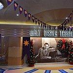 船内のシアターからミッドシップまでなにかしらのラプンツェル関連の飾付けがあります