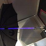 ライトセーバーがあしらわれた傘はいかがですか?