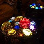 スタンバイ列で遊べるゲーム3つ目。ダイヤが入った樽を回すと・・・