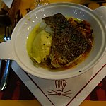マッシュポテト、白身魚のポワレ、ラタトゥイユのメインディッシュ。味付けが上品でおいしかった!