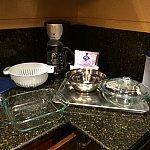 コーヒーメーカーや、オーブンOKのガラス皿やザル・バットなどもあります。