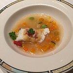 お魚と野菜のスープです。お魚が柔らかくて暖かいのですーっと入っていきます。