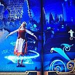 個人的に大好きなシーンです♡シンデレラがブルーフェアリーの魔法で廃かぶりの姿から美しいドレス姿になります。
