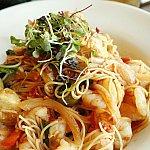 海老盛りだくさんの細麺パスタ