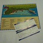 地図と5Kマラソンのチケット