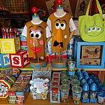 アンディーのおもちゃ箱の中はお土産屋さんです。