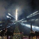 終わった後もチャイニーズシアターにはツリーが投影されています。