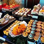 デザートの種類がホント多くて、食べきれませんっ。