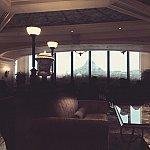 席からのプロメテウス火山の眺めです。遠いです。