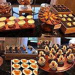 夜ご飯:たくさんのデザート(*^^*)種類が豊富で全部美味しかったです!!!