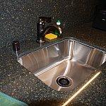 ディスポーザー付きの流し台で、生ゴミが出ない!(使用の際は水を流しながら!)
