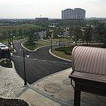 部屋からの眺望  バス停が見えます。