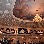 大広間の天井
