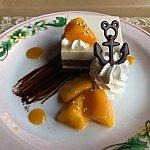 マンゴーが飾ってあるけど、実はバナナケーキ!甘すぎすおいしかったてす❤単品440円。