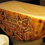 リゾットにはこちらのチーズがかけ放題です!オラフがかわいい!