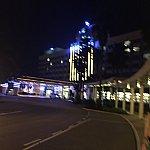 夜、ハリウッドホテルに着いた時の様子 ぶれていてごめんなさい!
