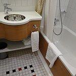 トイレとバスルームにそれぞれミニ洗面台がついているのが、4人家族の私たちにとっても便利でした!
