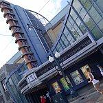 アナ&エルサグリの会場は「ディズニー・アニメーション」というこちらの建物の中にあります。