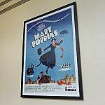 メリーポピンズのポスターも