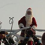 サンタさん登場。