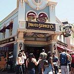 Disney PhotoPass Collectionを購入したメインストリート・フォト・サプライ・カンパニーはコチラです。