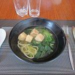 しかし朝から中華麺。今日は朝食だけで1日乗り切るつもりなので、なるべく食べておきました。