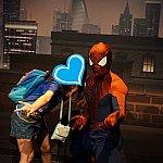 スパイダーマンと写真を撮るならぜひこのポーズを!