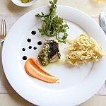 メインは魚料理か肉料理から選べます♪この日は真鯛を使った魚料理をチョイス